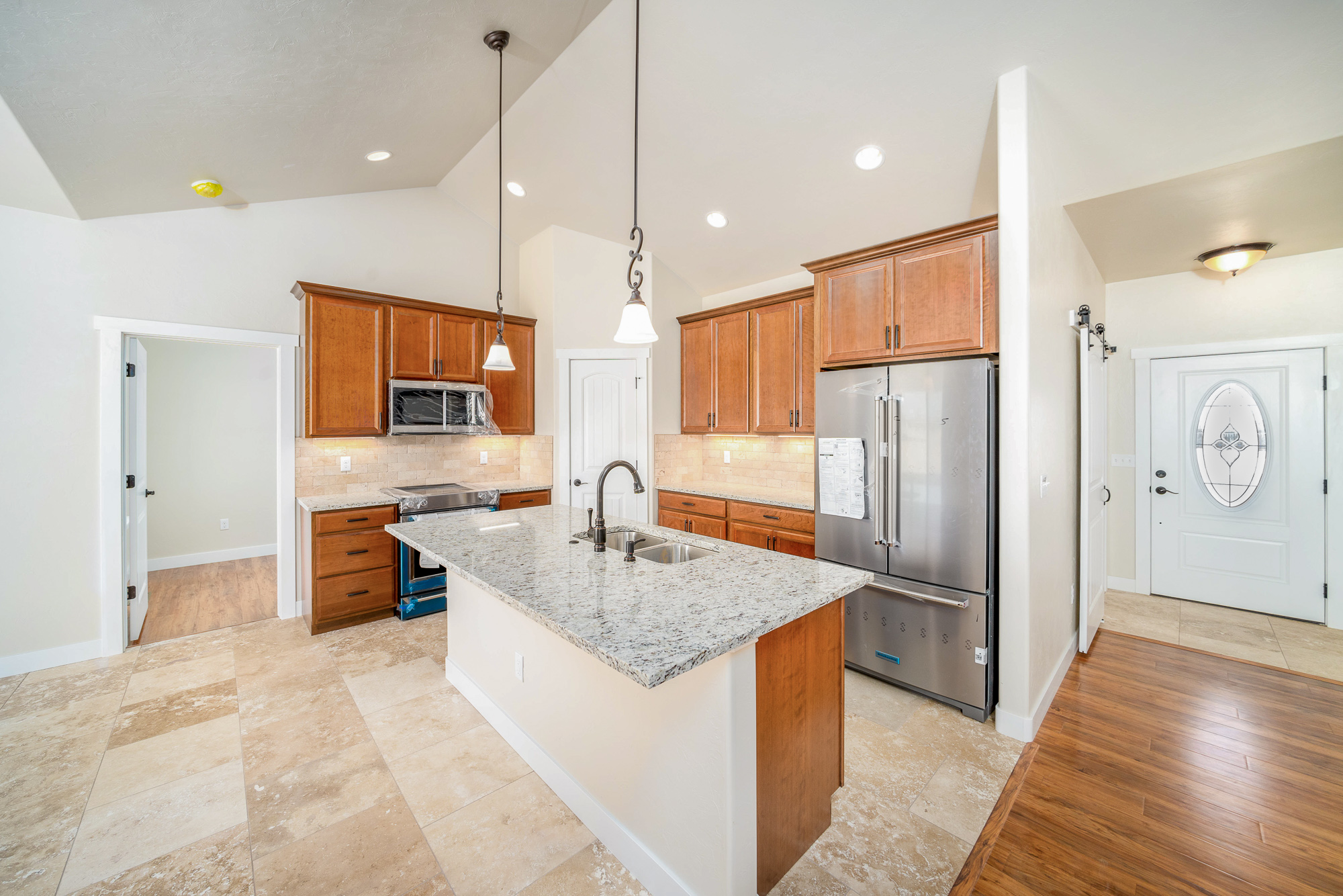 2548 Pecan St - Kitchen